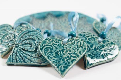 Mandala tál szív alakú függőkkel